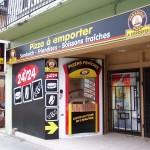 """Distributeur """"Paradisio Pizza"""" à Le Fayet (74)"""