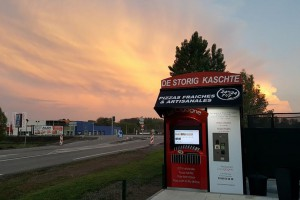 """En Alsace, un Kiosque  """"De Storig Kaschte"""", dit """"La Cigogne"""""""
