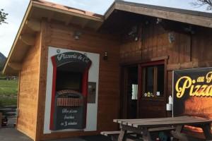 Distributeur à la Pizzeria du Col en Haute Savoie !
