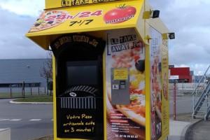 """Le 400ème PIZZADOOR est le kiosque """"Take Away"""" à Yffiniac"""