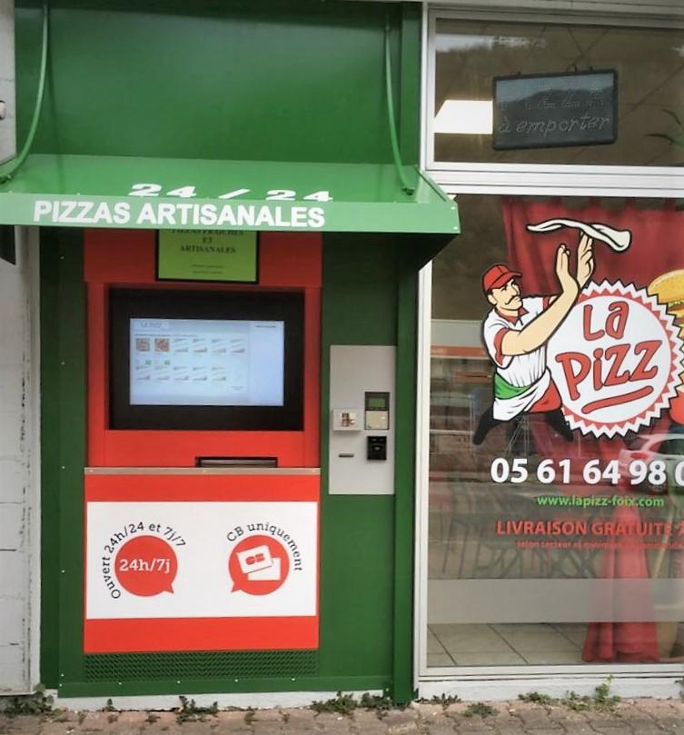 Nouveau distributeur de pizzas pour LA PIZZ !